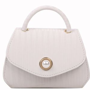Women Bag Small Fragrance Chain Messenger Small Bag for Sale in Fort Lauderdale, FL
