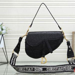 Crossbody Bag for Sale in Moreno Valley, CA
