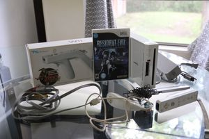 Wii console with resident evil for Sale in Galena Park, TX
