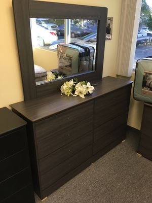 New compressed wood dresser drawer wardrobe for Sale in Inglewood, CA