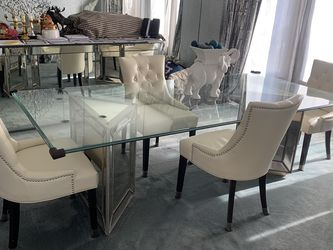 Glass Dining Table for Sale in Buffalo Grove,  IL