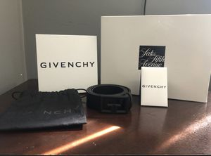Saks fifth Givenchy Belt for Sale in Hyattsville, MD