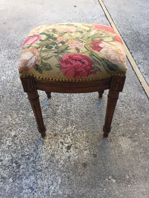 Antique style stool for Sale in Bethesda, MD