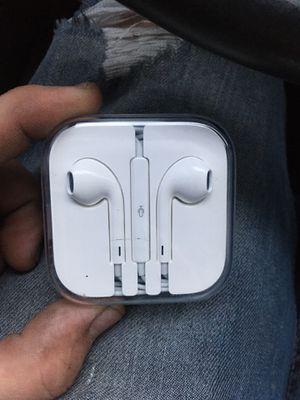 Genuine Apple Headphones W/Mic for Sale in Wichita, KS