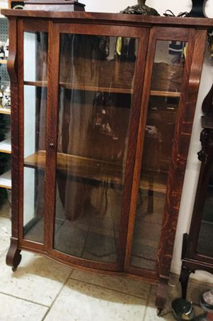 Antique 1940's Bow Front Curved Glass Tiger Oak Curio. for Sale in Tampa, FL