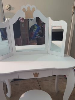 Vanity Set For Kids for Sale in Anaheim,  CA
