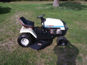 Mtd riding lawn mower for Sale in Mesick, MI