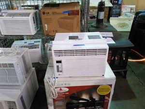 LG 6000 BTU room air conditioner for Sale in Phoenix, AZ