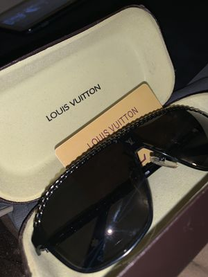 LOUIS VUITTON sunglasses for Sale in New Britain, CT