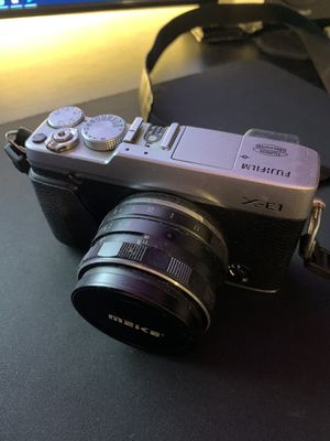 Fujifilm X-E1 DSLR Camera + Meike 35mm f1.7 Lens for Sale in Brooklyn, NY