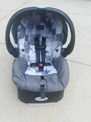 Baby infant car seat for Sale in Winston-Salem, NC