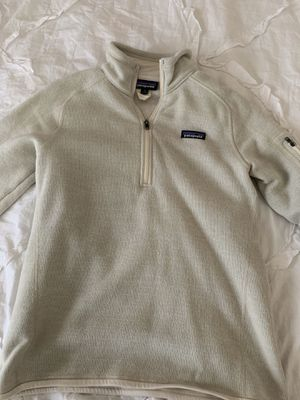 Tan Patagonia sweatshirt/pullover for Sale in Euless, TX