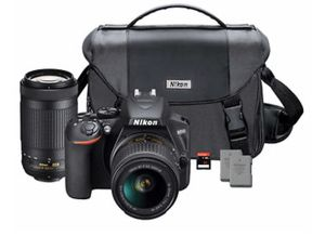 Nikon D3000 with 2 lenses and a bag for Sale in Pico Rivera, CA