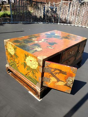 Antique Coffee Table for Sale in Gladstone, OR