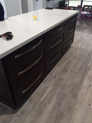 Kitchen cabinets and granite. for Sale in Miami, FL