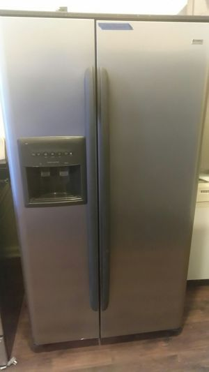 Kenmore stainless steel 2 door for Sale in Chicago, IL