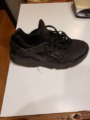 Nike Huarache Mens Size 11 for Sale in Maple Valley, WA