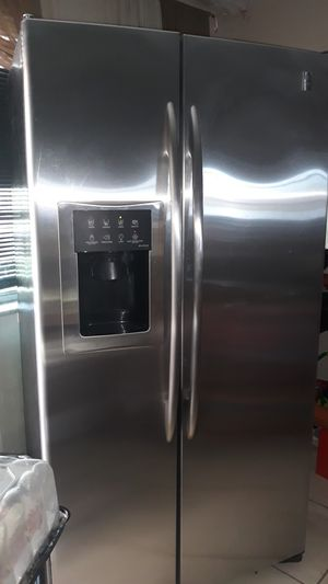 General Electric Refrigerator for Sale in Miami, FL