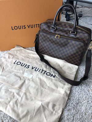 Authentic Louis Vuitton Icare Damier Ebene Laptop Bag for Sale in Murfreesboro, TN