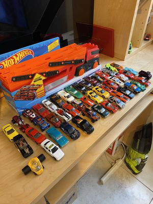 Hot wheels cars 48 good condition new truck for Sale in Miami, FL