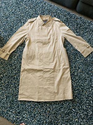 Burberry Trench Coat with belt for Sale in San Diego, CA