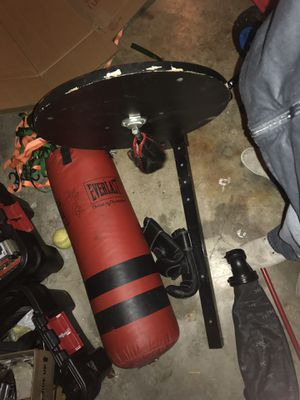 Punching bag with metal stand and speed bag for Sale in Tempe, AZ