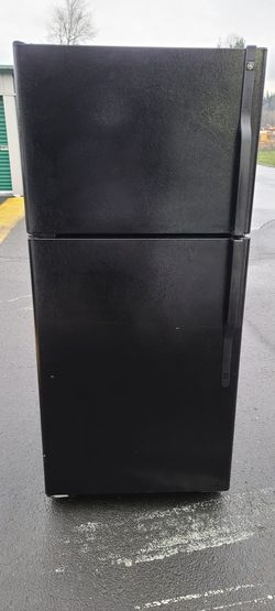 "Black Ge apartment  Size Refrigerator(Size 30""w by 30"" d by 67""h(willing to deliver for free>/ for Sale in Auburn,  WA"