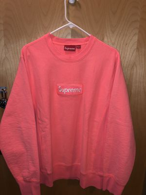Supreme Box Logo Fuorescent Pink (M) for Sale in Fort Bragg, NC