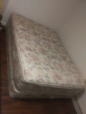 Queen spring box and mattress for Sale in Fresno, CA