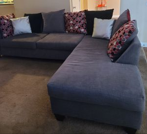 T L 9 Pillows Linen Gray couch sectional with red pillows for Sale in Marietta, GA