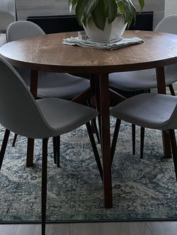 Table and Chairs for Sale in Culver City,  CA
