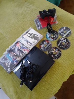 PS3 SUPER SLIM!! EVERYTHING IS IN VERY GOOD CONDITION!!! TESTED!! for Sale in Corona, CA