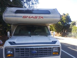 SHASTA MOTORHOME LIKE NEW for Sale in Piedmont, CA