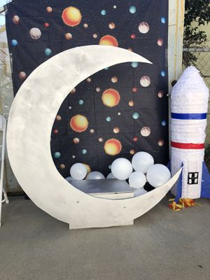 Moon photo box. I built it myself. for Sale in La Verne, CA