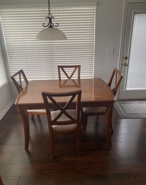 Wood Dining Room Table, 6 chairs and Extender for Sale in Dublin, OH