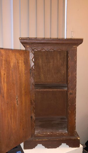 Small Wooden Decor Shelf/End Cabinet Approx 2 Feet Tall for Sale in Los Angeles, CA