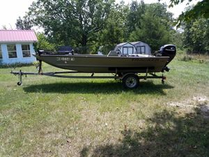 Tracker Fishing Boat with Mercury 25hp Motor and Trac Star Trailer. for Sale in US