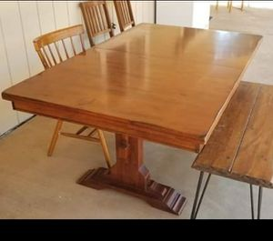 Solid wood kitchen table. for Sale in Ramona, CA