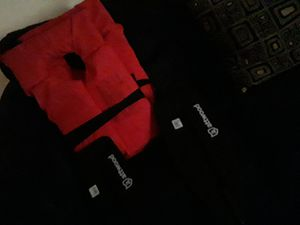 Two life jackets brand new 2 paddles for Sale in Fayetteville, GA