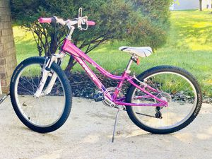 Trek MT220 Girl's Hybrid Bike 24inch for Sale in Clarksville, MD