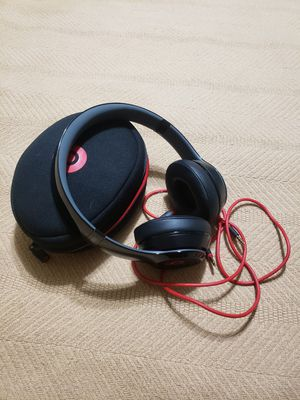 Beats by Dre Solo for Sale in St. Petersburg, FL