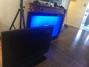 2 tv for sale 50 inch and 40 $160 for both for Sale in Vallejo, CA