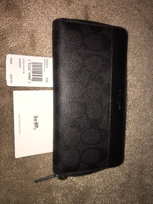 Men's Coach Accordion Wallet for Sale in Hilliard, OH
