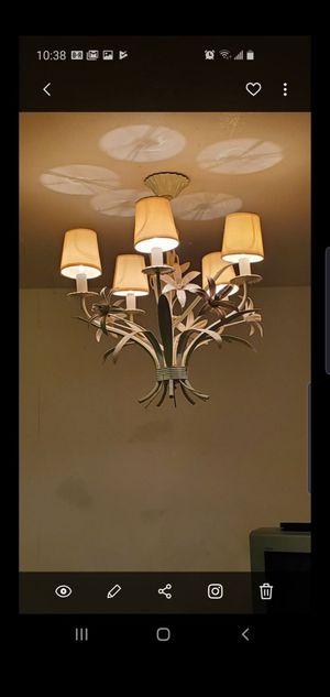 Beautiful chandelier for Sale in Sunrise, FL