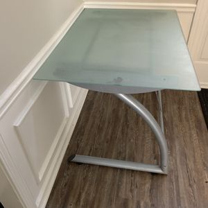 Office Glass Desk/Table for Sale in Kennesaw, GA