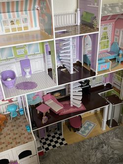 Barbie Dollhouse, Barbie Cars, Barbie Outfit, LOL dolls for Sale in San Francisco,  CA