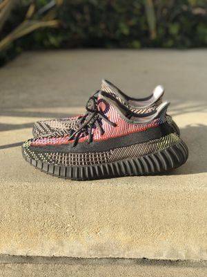 Adidas Yeezy 350 V2 10.5 for Sale in Paramount, CA