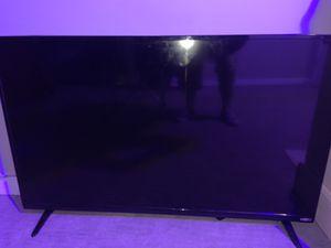Vizio 40 inch smart tv with remote for Sale in Aurora, CO