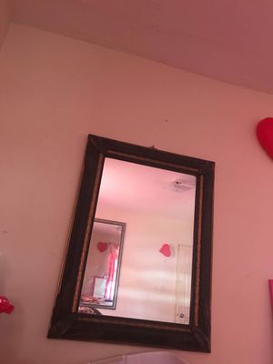 Medium mirror/ Espejo mediano for Sale in Hyattsville, MD