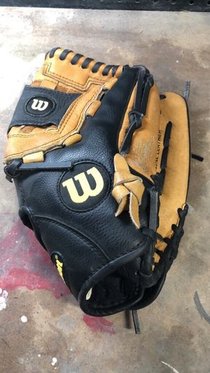 Softball glove for Sale in San Jose, CA